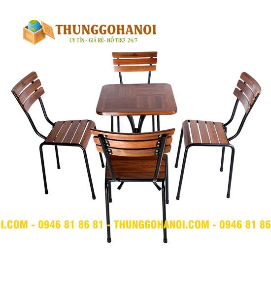 Bàn ghế chân sắt mặt gỗ/Bàn ghế khung sắt đẹp Hà Nội