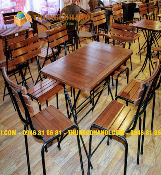 Mẫu bàn cafe gỗ khung chân sắt - ghế lưng tựa Cafe