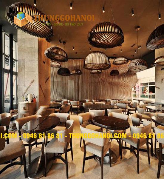 Bàn ghế khung sắt, mặt gỗ pallet đẹp cho quán cafe